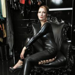 Madame Julia - Dominas und Bizarrladies Berlin